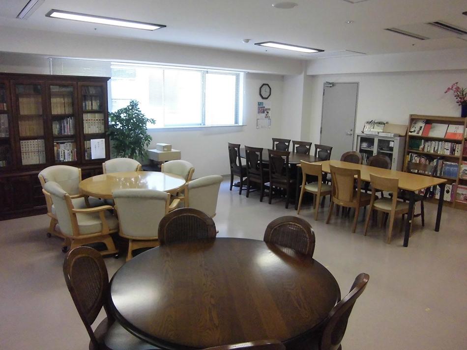 『4階 図書室』